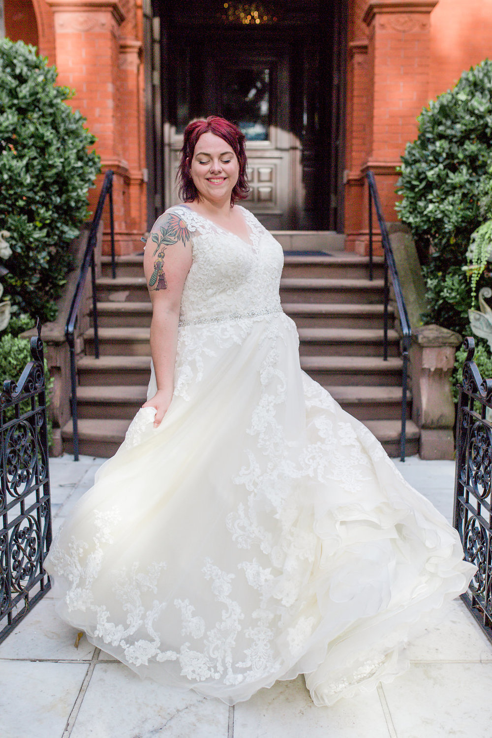 ivory-and-beau-bridal-boutique-alexis-sweet-photography-plus-sized-wedding-gowns-savannah-ga-plus-sized-wedding-dress-savannah-ga-11.jpg