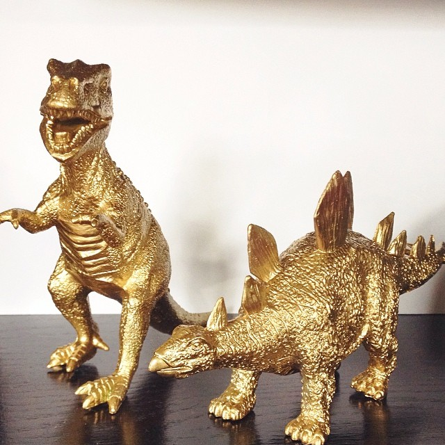 ivory-and-beau-savannah-wedding-planner-gold-dinosaurs-dinosaur-wedding.jpg
