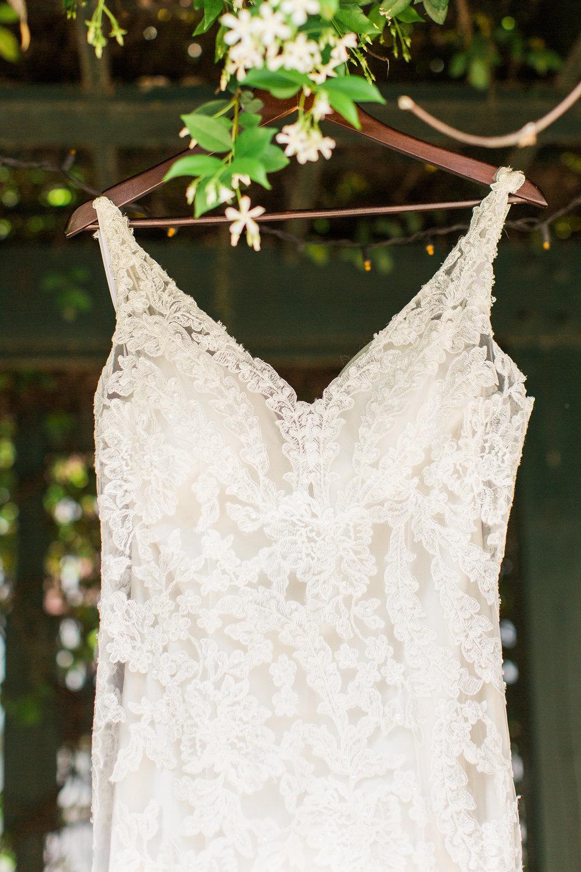 ivory-and-beau-bridal-boutique-jim-and-melanie-marianne-lucille-photography-oldfield-plantation-wedding-beautfort-inn-wedding-4.jpg