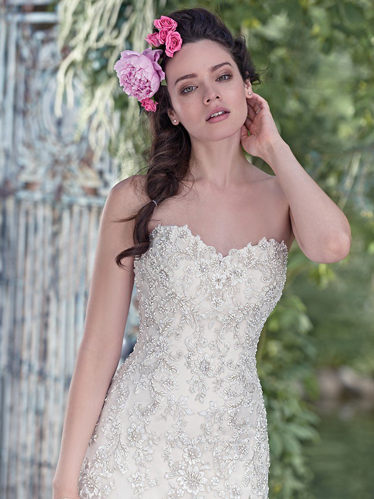 ivory-and-beau-bridal-boutique-zodiac-wedding-style-savannah-wedding-gowns-savannah-wedding-dresses-earnest-loans-3.jpg