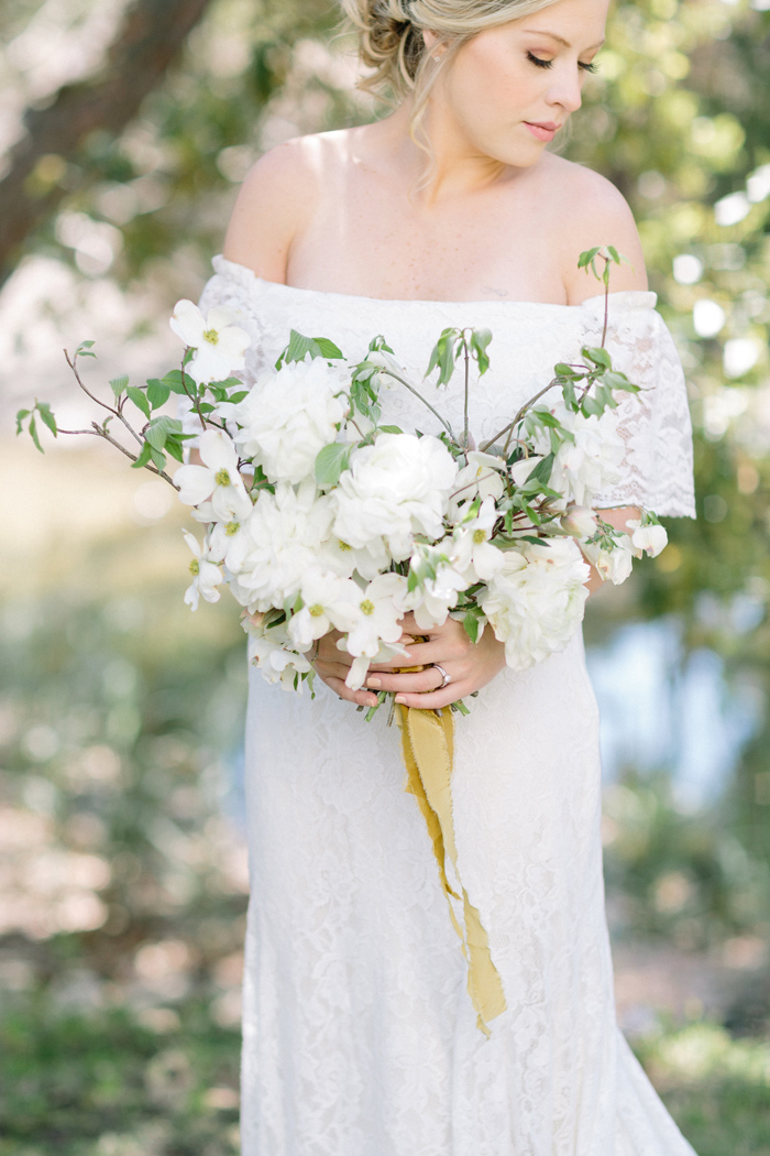 ivory-and-beau-bridal-boutique-a-coastal-bride-organic-spring-tybee-island-wedding-casey-green-photography-4.jpg