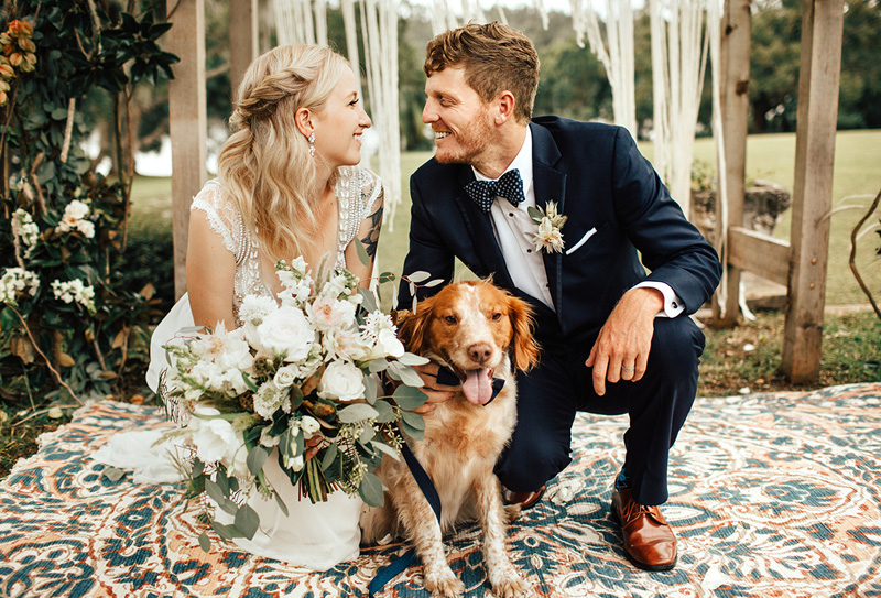 CONNER'S BOHEMIAN DOG-LOVING FALL WEDDING