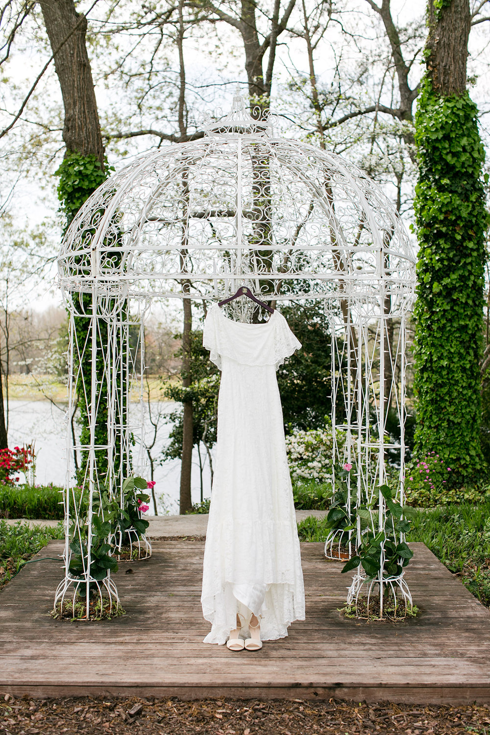 ivory-and-beau-bridal-boutique-i-and-b-bride-hillary-sidney-middlebrooks-photography-winnie-daughters-of-simone-the-venue-at-tryphena's-garden-1.jpg