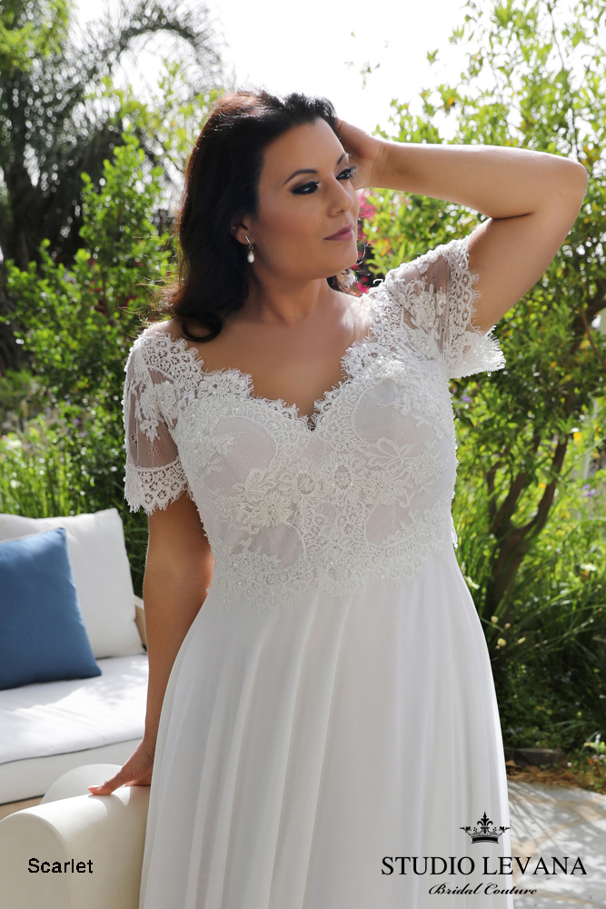 savannah-Plus-size-wedding-gowns-ivory-and-beau-wedding-dress-savannah-bride-plus-size-dress-plus-size-bride-Plus_size_wedding_gowns_2018_Scarlet_(2).jpeg