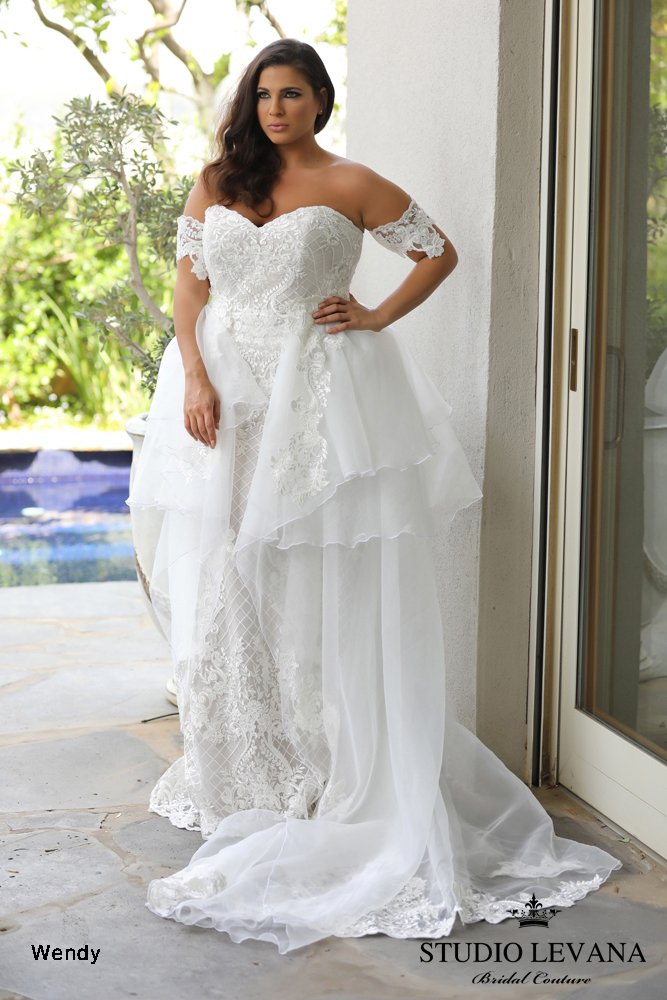 savannah-Plus-size-wedding-gowns-ivory-and-beau-wedding-dress-savannah-bride-plus-size-dress-plus-size-bride-Plus_size_wedding_gowns_2018_Wendy_(8).jpeg