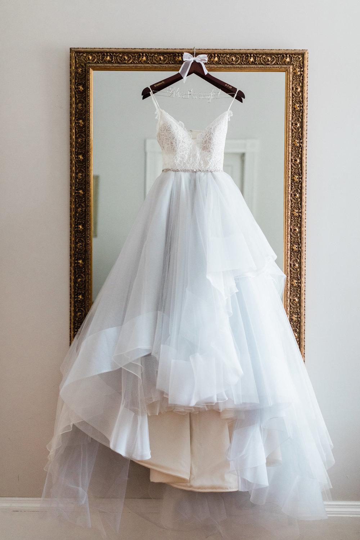 ivory-and-beau-bridal-boutique-i-and-b-florals-kim-and-luke-apt-b-photography-garibaldis-cafe-savannah-savannah-vintage-rentals-1.JPG