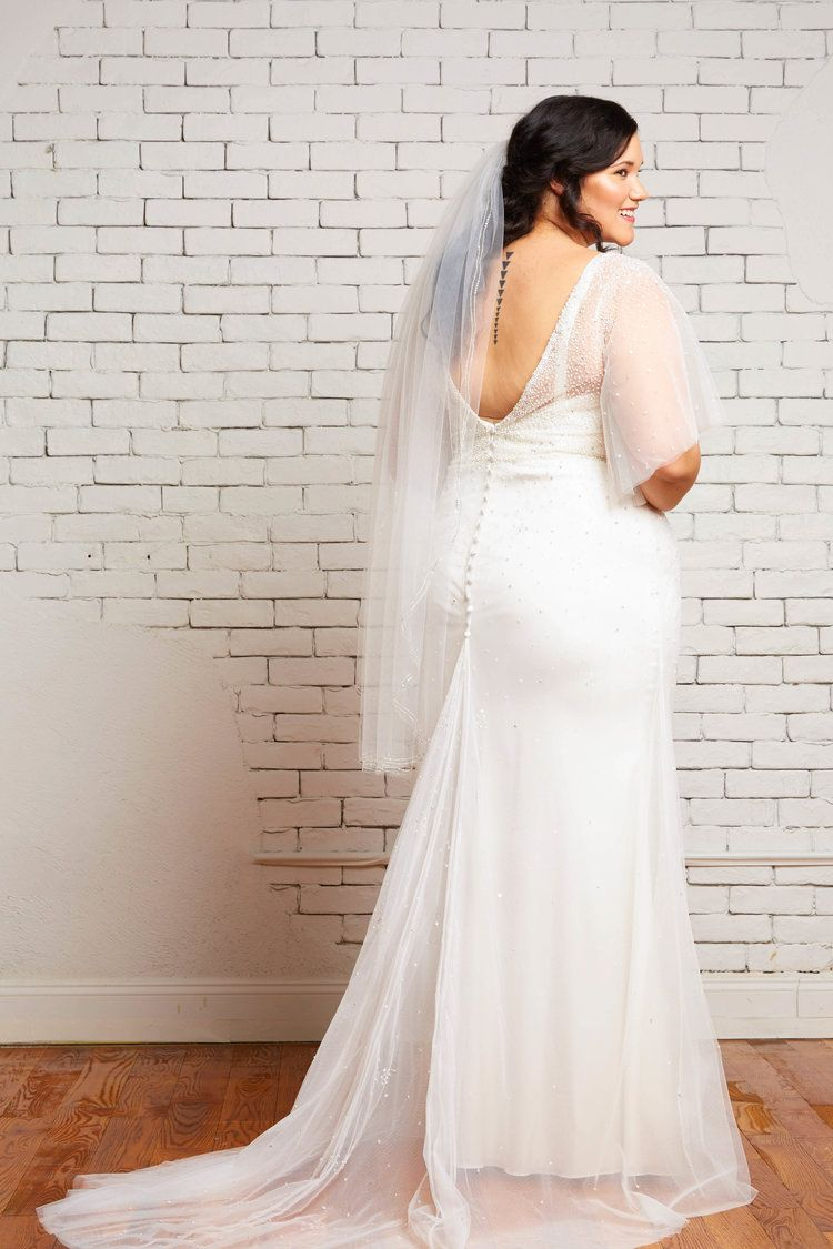 savannah-bridal-shop-ivory-and-beau-bridal-boutique-plus-size-trunk-show-plus-size-wedding-dresses-rebecca-schoneveld-trunk-show-2.jpg