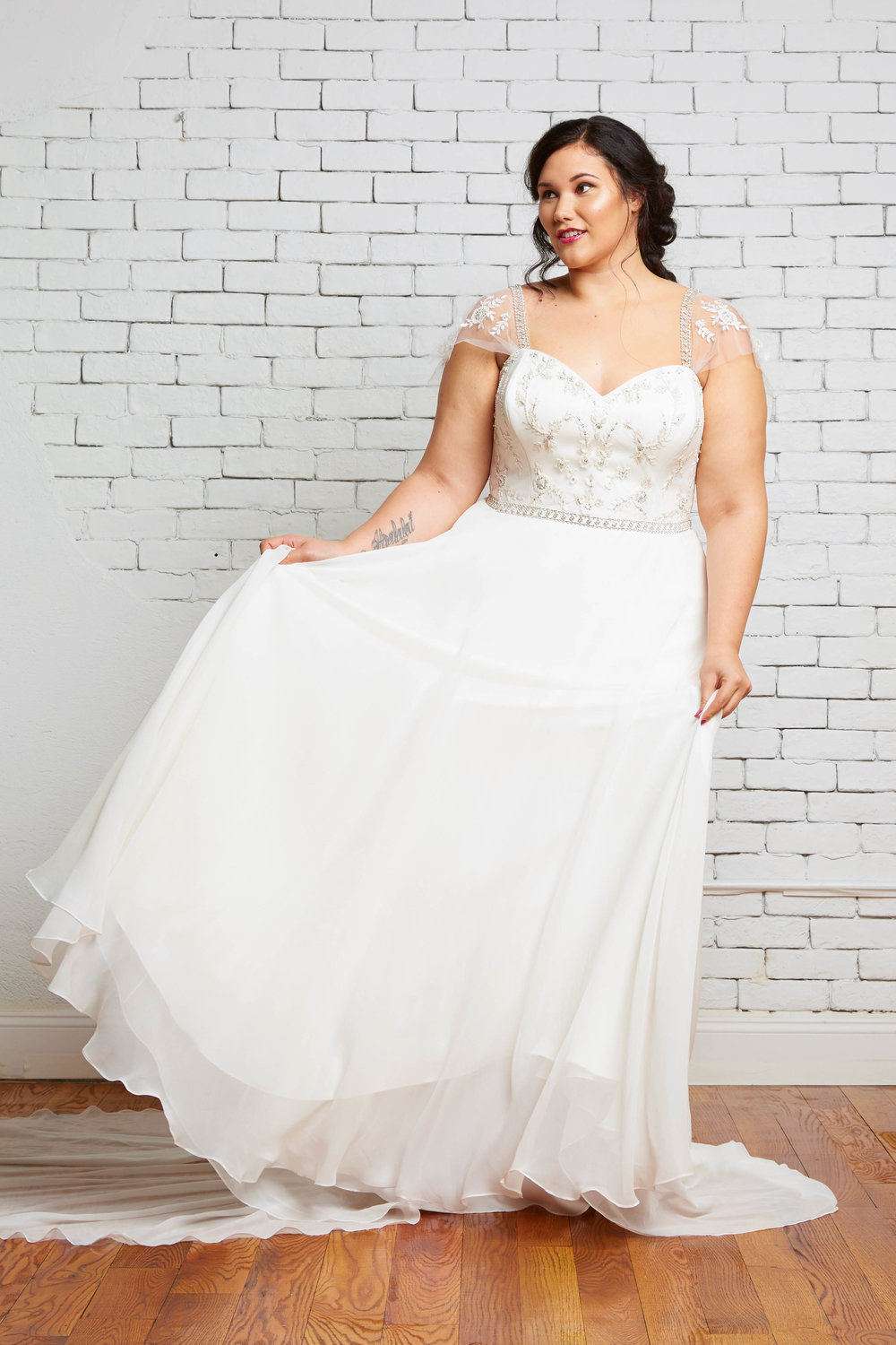 savannah-bridal-shop-ivory-and-beau-bridal-boutique-plus-size-trunk-show-plus-size-wedding-dresses-rebecca-schoneveld-trunk-show-4.jpg