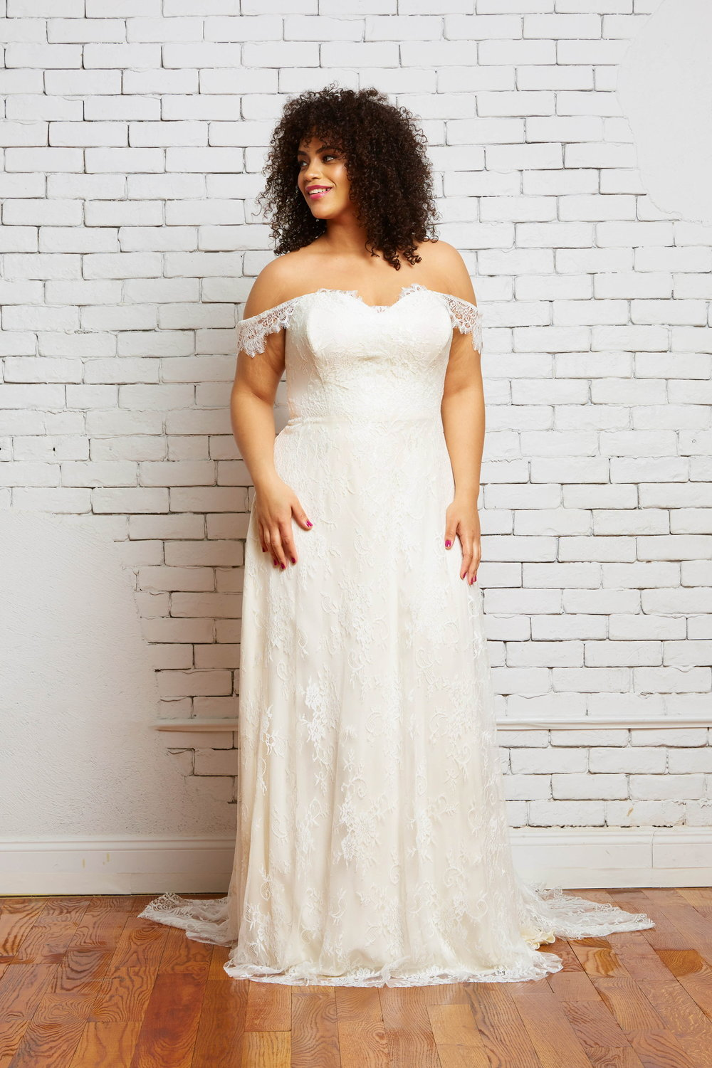 savannah-bridal-shop-ivory-and-beau-bridal-boutique-plus-size-trunk-show-plus-size-wedding-dresses-rebecca-schoneveld-trunk-show-3.jpeg