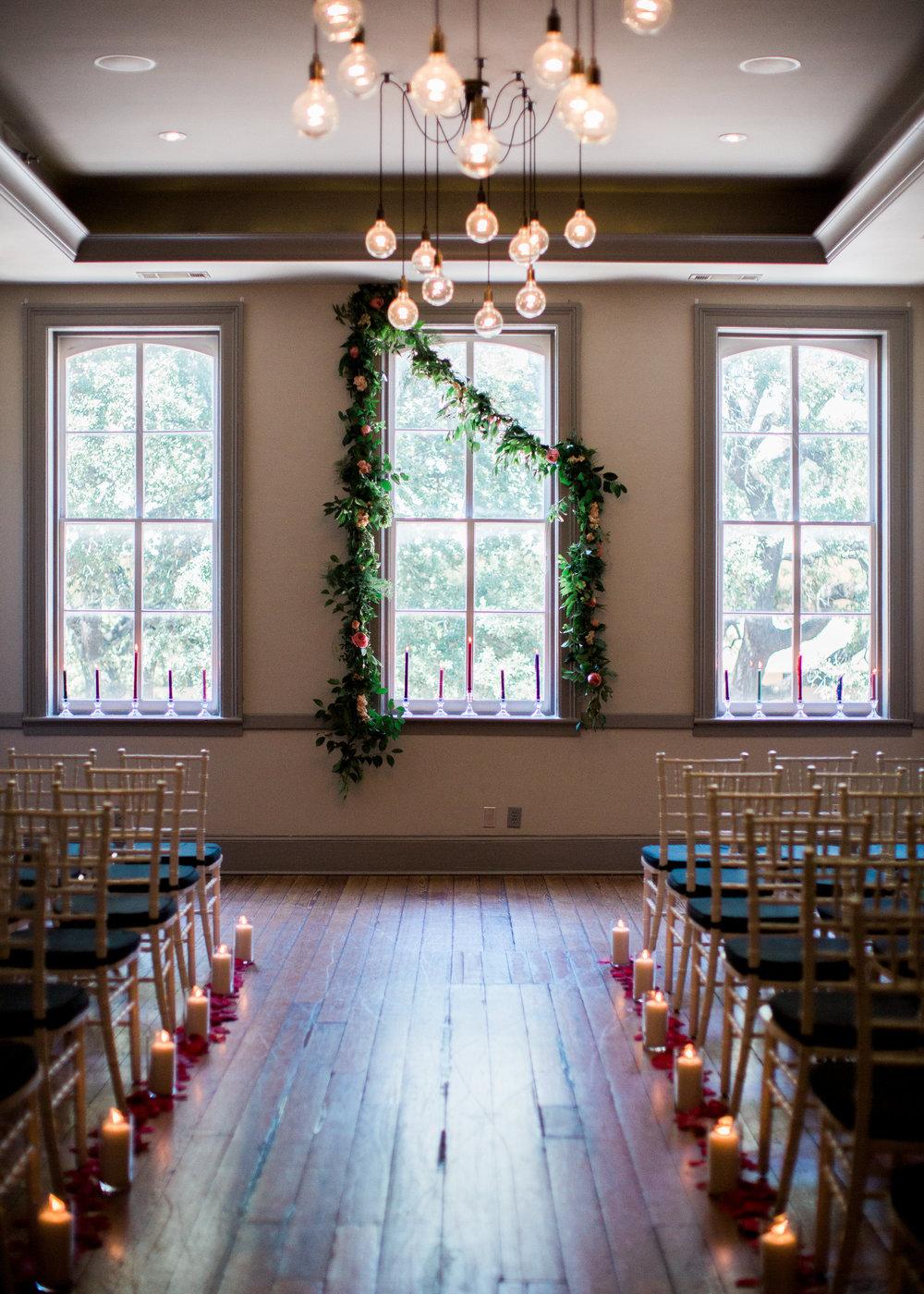 10-downing-savannah-wedding-churchills-pub-savannah-wedding-planner-savannah-event-designer-savannah-florist-savannah-wedding-flowers-savannah-weddings-10-downing-event-designer-ivory-and-beau.jpg