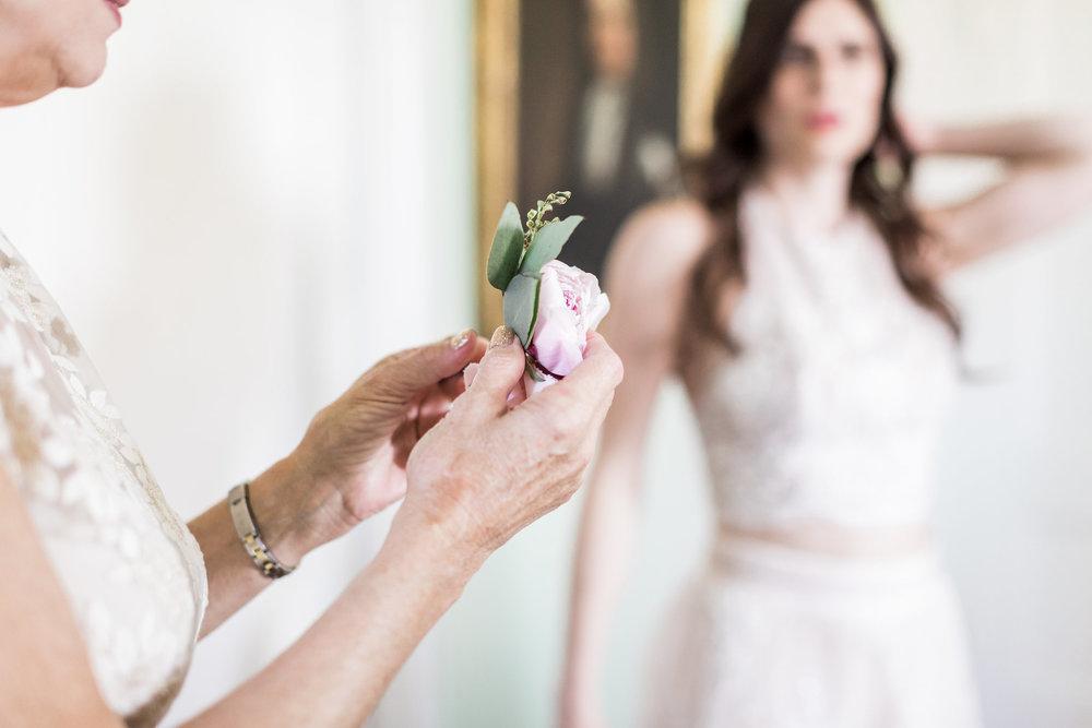 savannah-bridal-shop-ivory-and-beau-bridal-boutique-savannah-florist-apt-b-photography-whitfield-square-wedding-lady-and-sons-9.JPG