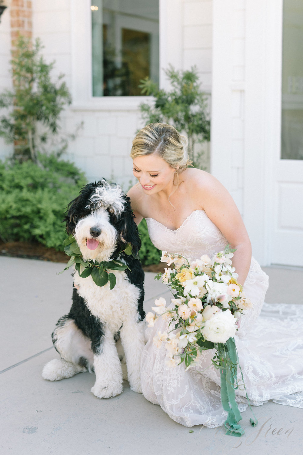 savannah-bridal-shop-ivory-and-beau-bridal-boutique-casey-green-photography-tybee-island-chapel-wedding-planning-mistakes-3.jpg