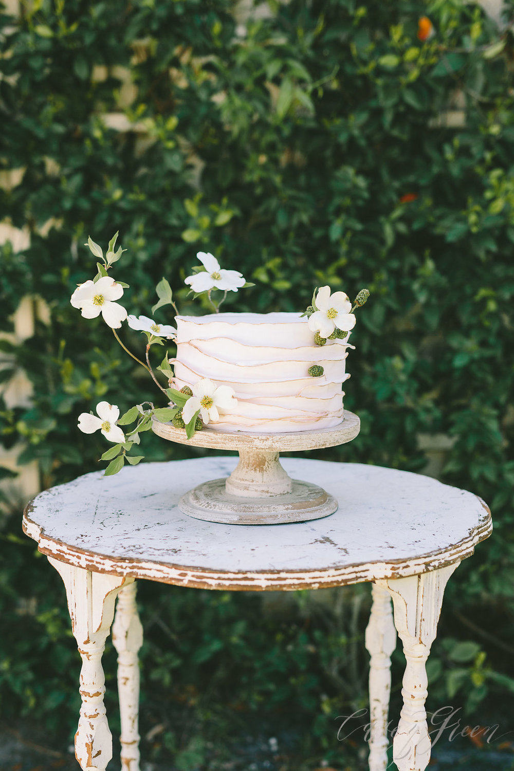 savannah-bridal-shop-ivory-and-beau-bridal-boutique-casey-green-photography-tybee-island-chapel-wedding-planning-mistakes-8.jpg