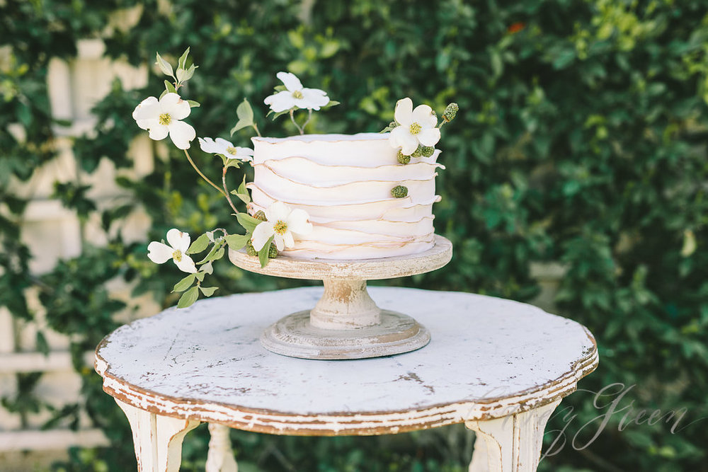 savannah-bridal-shop-ivory-and-beau-bridal-boutique-casey-green-photography-tybee-island-chapel-wedding-planning-mistakes-14.jpg