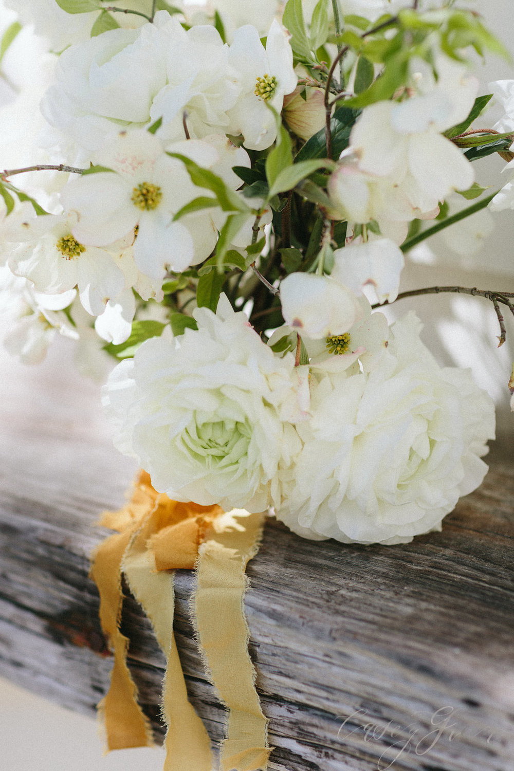savannah-bridal-shop-ivory-and-beau-bridal-boutique-casey-green-photography-tybee-island-chapel-wedding-planning-mistakes-12.jpg