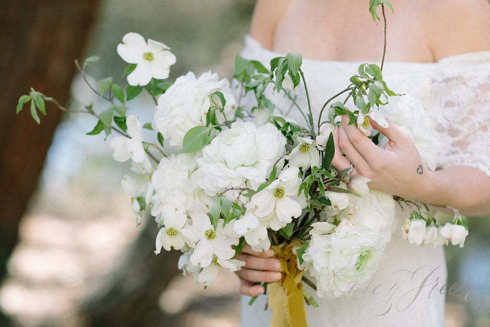 savannah-bridal-shop-ivory-and-beau-bridal-boutique-casey-green-photography-tybee-island-chapel-wedding-planning-mistakes-22.jpg
