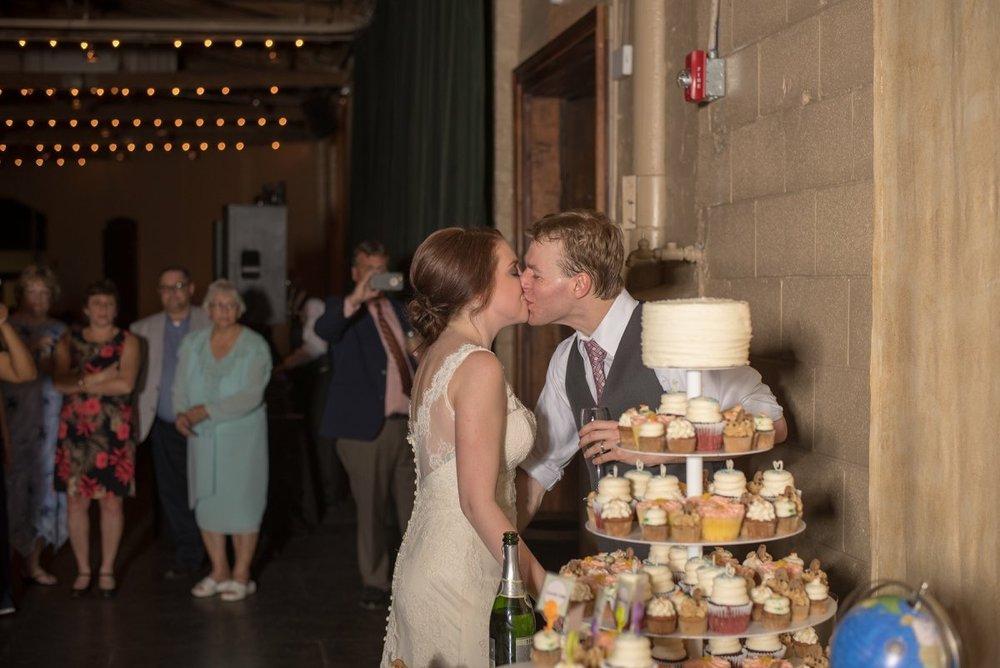 savannah-bridal-shop-i-and-b-bride-alexis-rosaline-by-rebecca-schoneveld-jaclyn-jordan-veil-savannah-wedding-dresses-savannah-wedding-gowns-savannah-bridal-boutique-3.jpeg