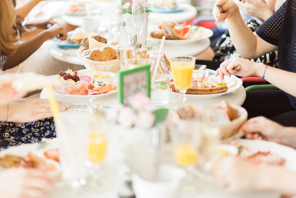 girls-brunch-party.jpg