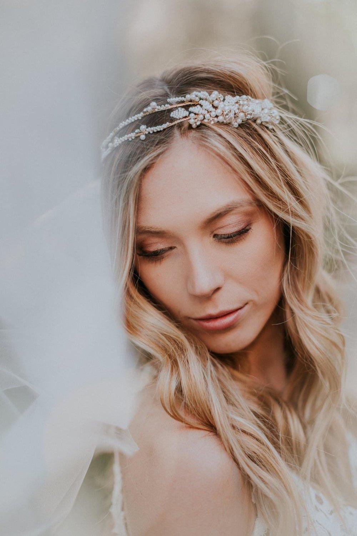 savannah-bridal-shop-five-reasons-to-have-a-fall-wedding-in-savannah-heather-skye-phototgraphy-blush-by-hayley-paige-fall-wedding-trends-8.jpg