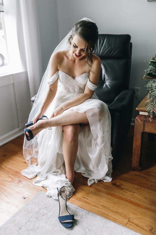 savannah-bridal-shop-i-and-b-couple-tim-and-amy-boho-marshland-wedding-in-savannah-mackensey-alexander-photography-6.jpg