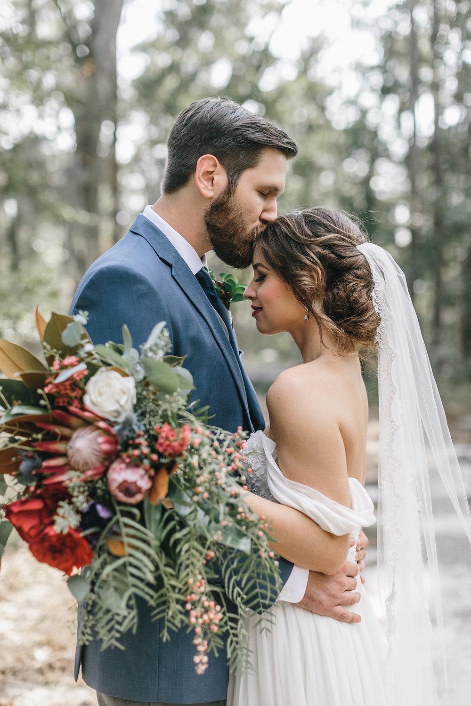 savannah-bridal-shop-i-and-b-couple-tim-and-amy-boho-marshland-wedding-in-savannah-mackensey-alexander-photography-26.jpg