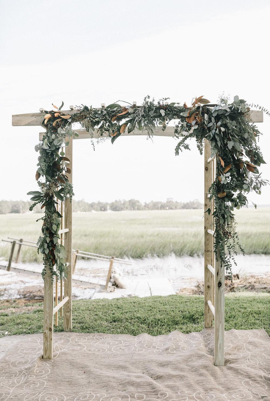 savannah-bridal-shop-i-and-b-couple-tim-and-amy-boho-marshland-wedding-in-savannah-mackensey-alexander-photography-32.jpg