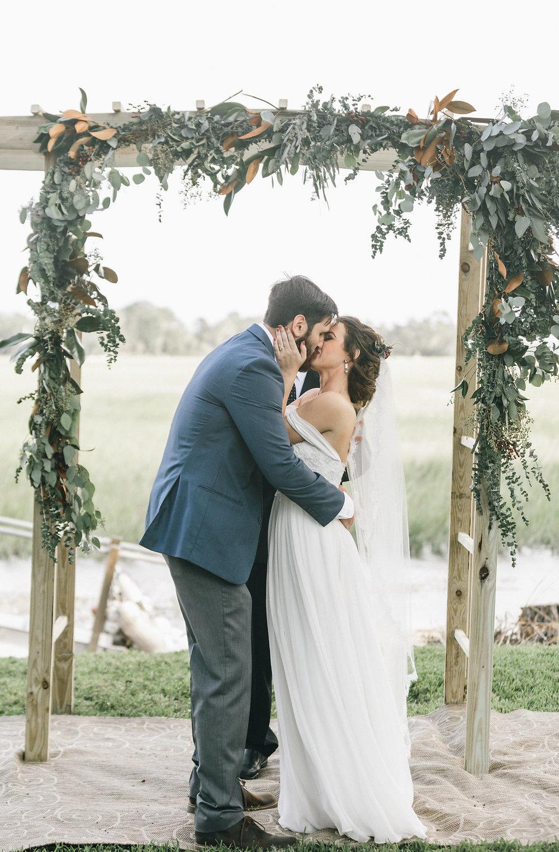savannah-bridal-shop-i-and-b-couple-tim-and-amy-boho-marshland-wedding-in-savannah-mackensey-alexander-photography-36.jpg