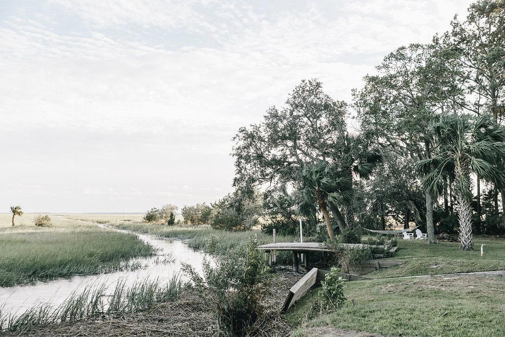 savannah-bridal-shop-i-and-b-couple-tim-and-amy-boho-marshland-wedding-in-savannah-mackensey-alexander-photography-37.jpg