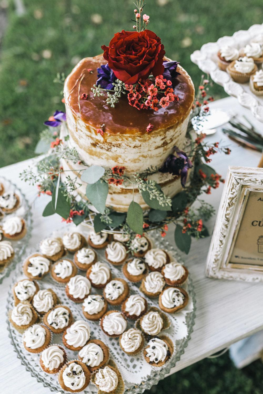 savannah-bridal-shop-i-and-b-couple-tim-and-amy-boho-marshland-wedding-in-savannah-mackensey-alexander-photography-39.jpg