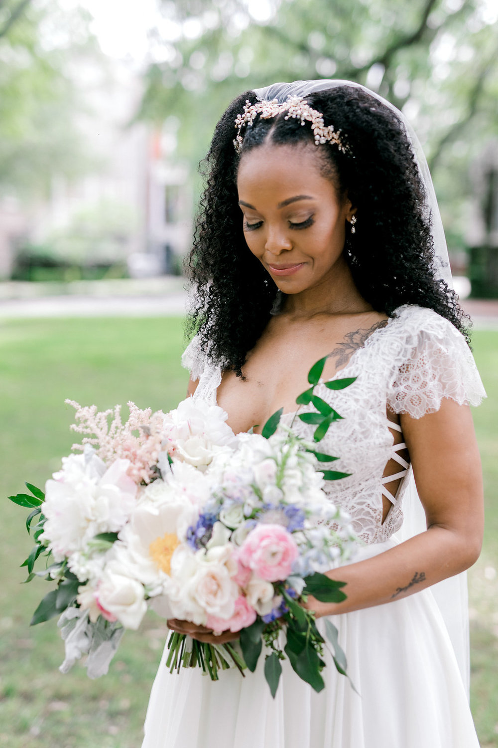 savannah-bridal-shop-i-and-b-florals-sonya-and-josh-colorful-rustic-boho-wedding-florals-at-soho-south-cafe-savannah-ga-wedding-danielle-george-photography-7.JPG