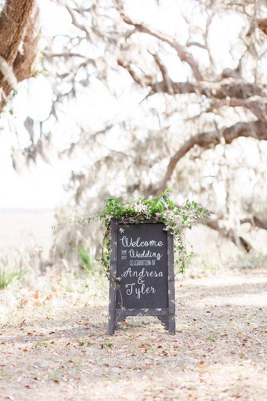 savannah-bridal-shop-coastal-wedding-inspiration-and-design-with-rachel-strickland-photography-savannah-wedding-dresses-savannah-bridal-boutique-23.jpg