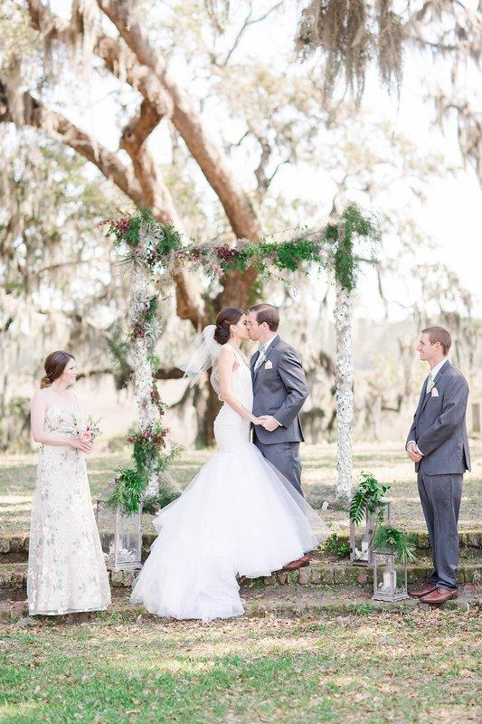 savannah-bridal-shop-coastal-wedding-inspiration-and-design-with-rachel-strickland-photography-savannah-wedding-dresses-savannah-bridal-boutique-25.jpg