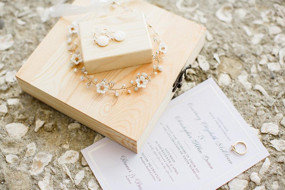 savannah-bridal-shop-i-and-b-florals-courtney-and-chris-savannah-florist-dataw-island-club-wedding-julia-fay-photography-3.jpg
