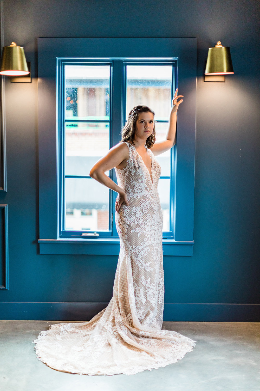 savannah-bridal-shop-cool-places-to-take-your-wedding-pictures-in-savannah-ga-finnegan-photography-3.jpg