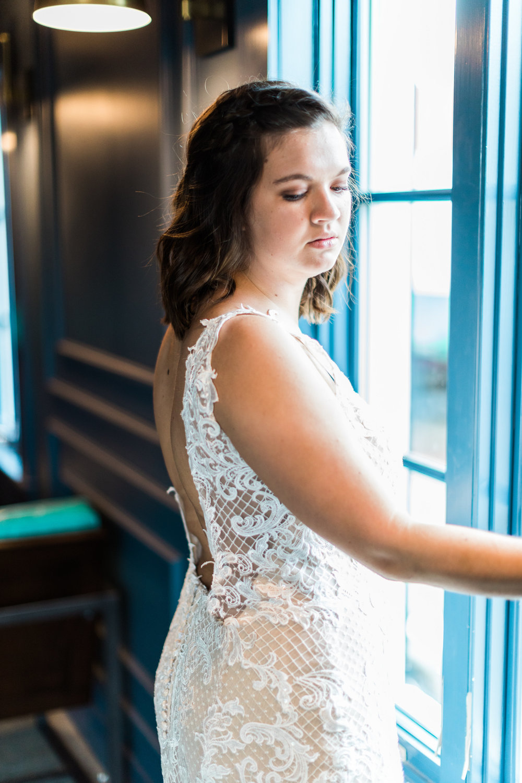 savannah-bridal-shop-cool-places-to-take-your-wedding-pictures-in-savannah-ga-finnegan-photography-13.jpg
