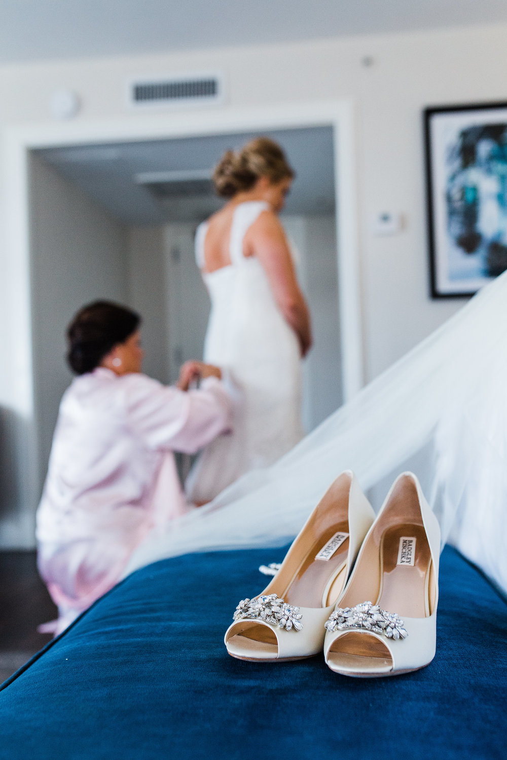 savannah-bridal-shop-i-and-b-bride-meghan-rosamund-gown-by-maggie-sottero-st-johns-cathedral-wedding-apt-b-photography-7.JPG