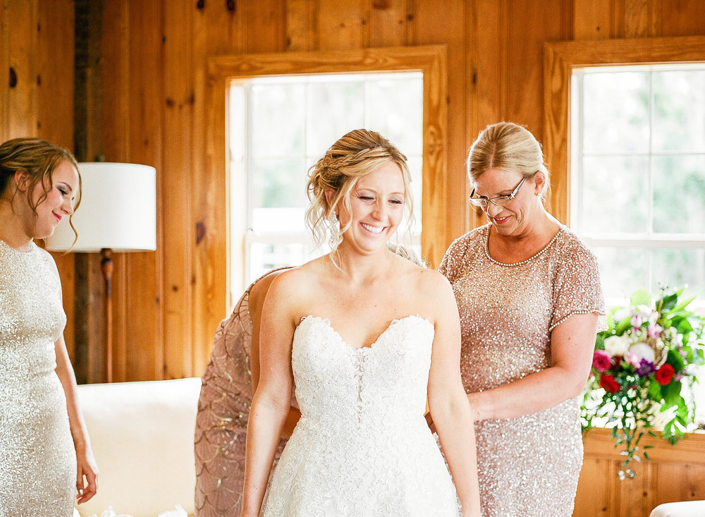 savannah-bridal-shop-i-and-b-couple-gretchen-and-alex-fun-and-unique-tropical-wedding-at-captains-bluff-st-simons-island-wedding-marianne-lucille-photography-7.jpg