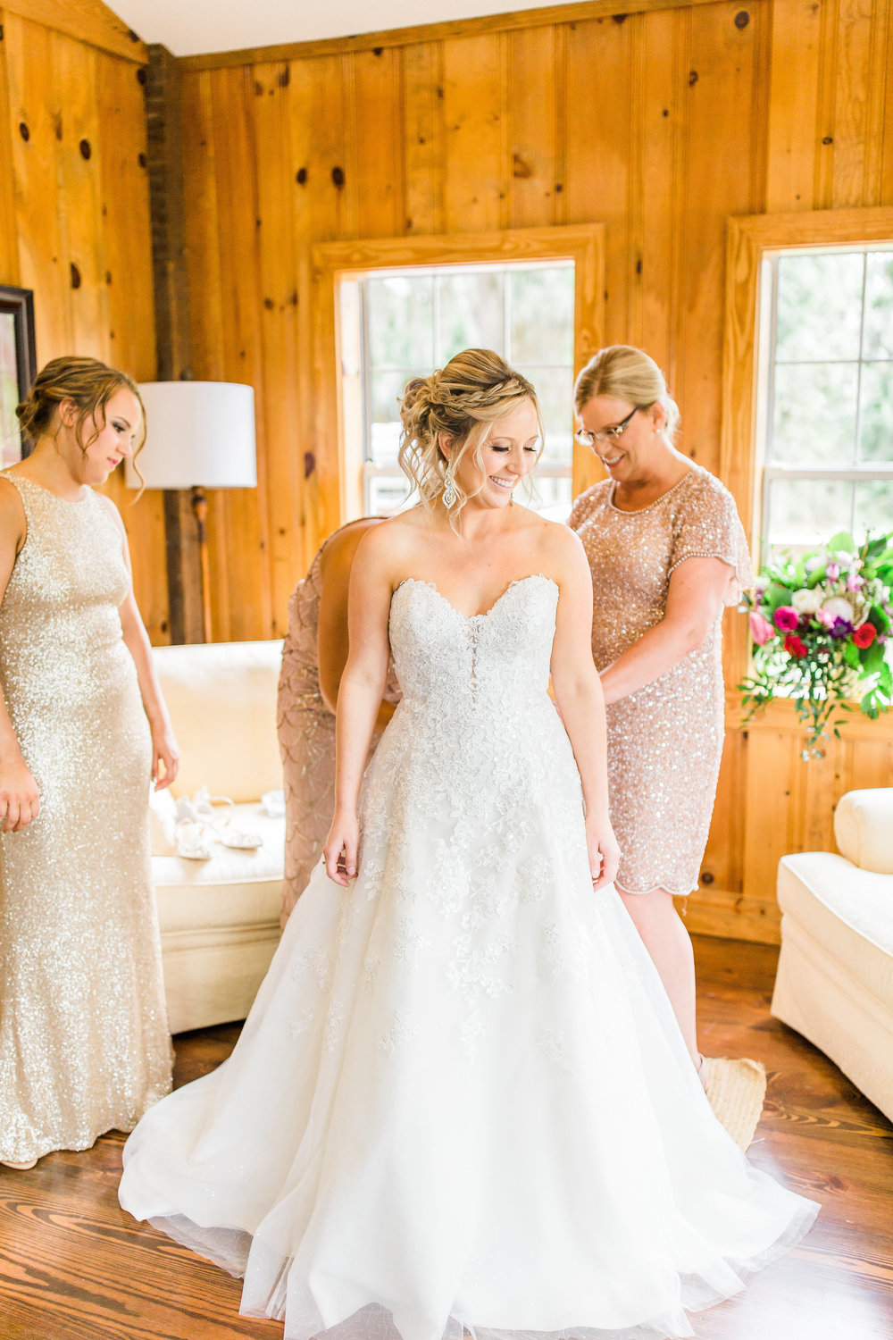 savannah-bridal-shop-i-and-b-couple-gretchen-and-alex-fun-and-unique-tropical-wedding-at-captains-bluff-st-simons-island-wedding-marianne-lucille-photography-8.jpg