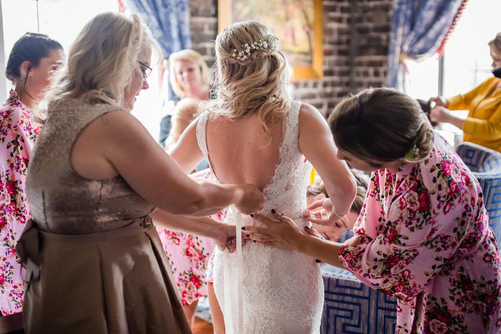 savannah-bridal-shop-ivory-and-beau-bride-lauren-by-rebecca-ingram-rich-burkhart-photography-downtown-savannah-wedding-savannah-wedding-gown-savannah-wedding-dress-8.jpg