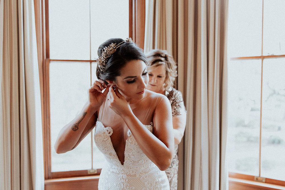 ivory-and-beau-savannah-bridal-shop-ivory-and-beau-couple-caitlin-and-tim-wormsloe-wedding-savannah-wedding-florist-house-of-ivory-photography-9.jpg