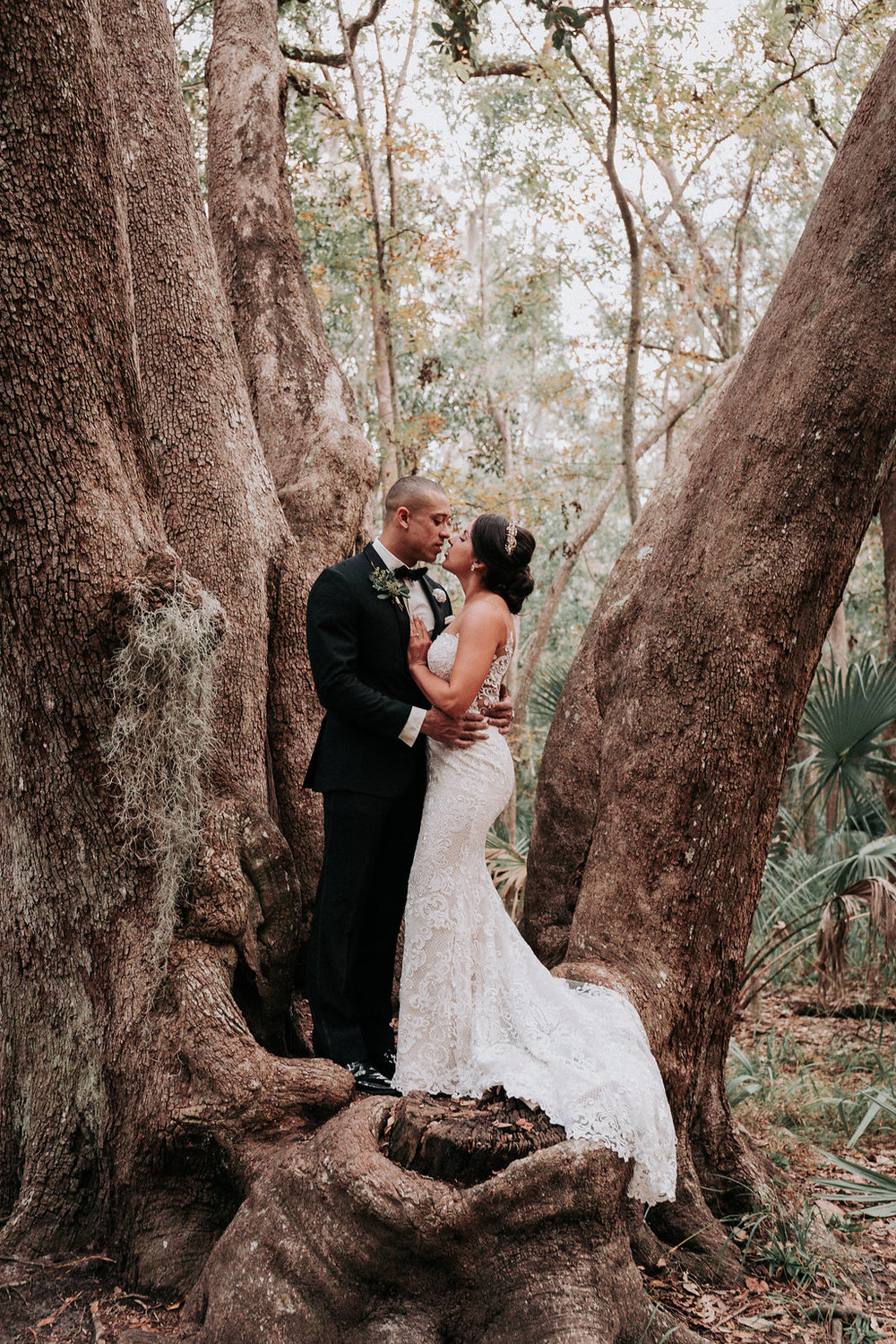 ivory-and-beau-savannah-bridal-shop-ivory-and-beau-couple-caitlin-and-tim-wormsloe-wedding-savannah-wedding-florist-house-of-ivory-photography-28.jpg