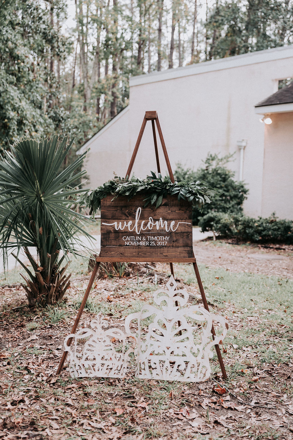 ivory-and-beau-savannah-bridal-shop-ivory-and-beau-couple-caitlin-and-tim-wormsloe-wedding-savannah-wedding-florist-house-of-ivory-photography-32.jpg