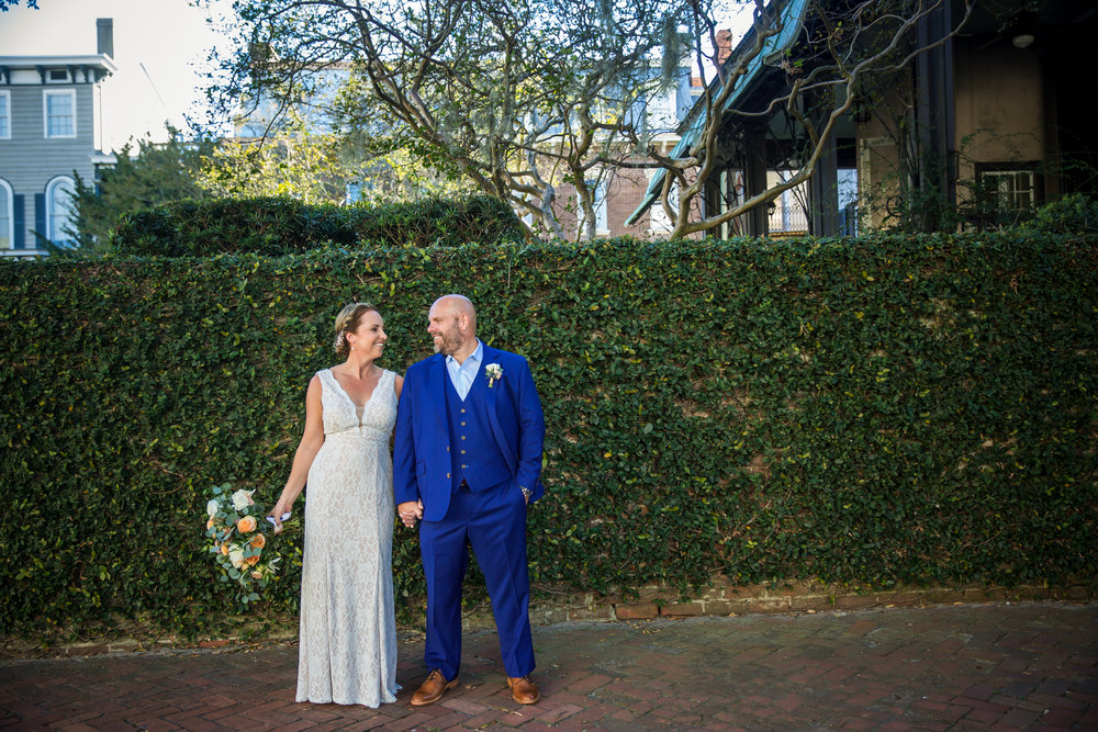 ivory_and_beau_savannah_bridal_shop_ivory_and_beau_florals_lindsey_and_collin_harper_fowlkes_house_the_mansion_on_fosyth_rich_burkhart_photography_savannah_florist_1.jpg