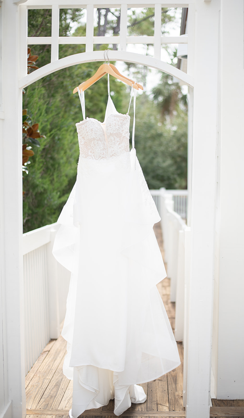 ivory_and_beau_savannah_bridal_shop_the_big_fake_wedding_savannah_lamour_by_calla_blanche_savannah_wedding_Dress_savannah_Wedding_gown_Savannah_wedding_planner_savannah_wedding_coordinator_savannah_wedding_florist_ruth_terrero_photography_1.jpg