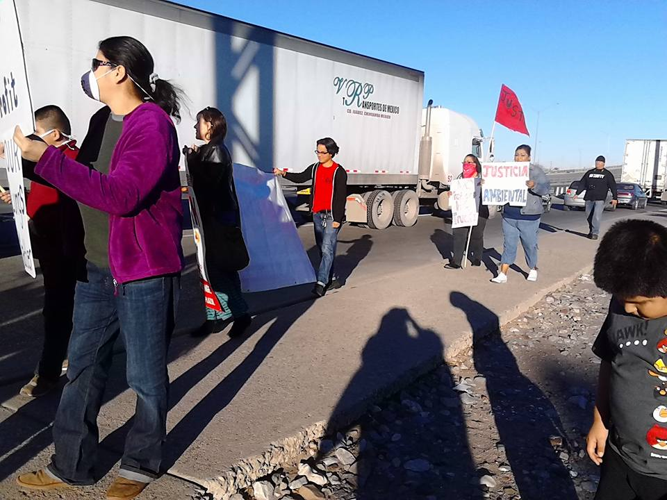 (Environmental Justice) Protest against truck traffic idling along Chamizal National Park and Bowie High School. Diesel contamination of the air by commercial trucks while idling, pose a threat to the health of young children and elders. Diesel contains particles that when inhaled can cause respiratory problems like asthma.