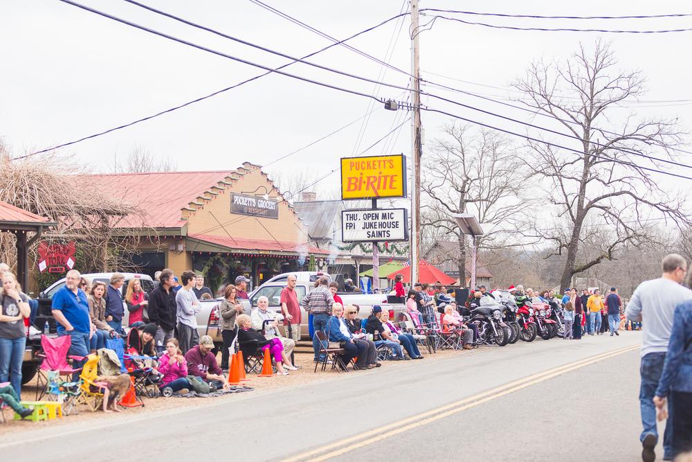 LF Christmas parade-1.jpg