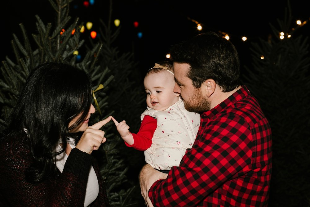 Nashville-Christmas-mini-session-family-photographer_0022.jpg