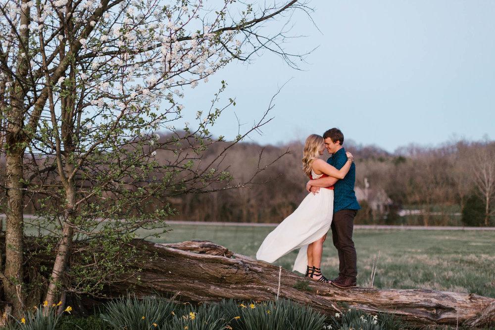 Nashville-Couples-AmyAllmandPhotography-3.jpg