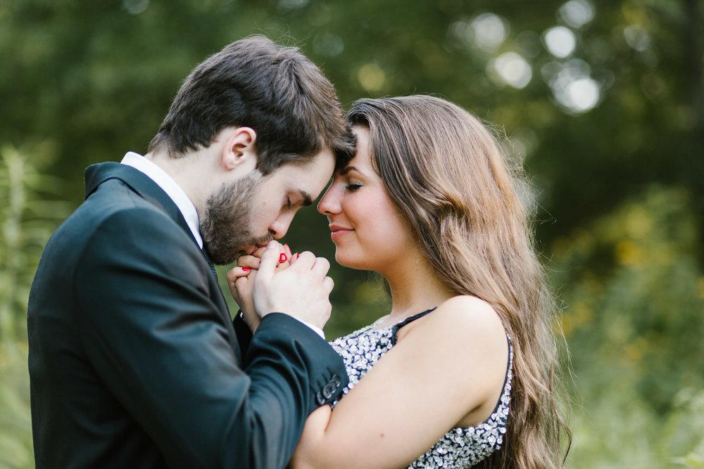 Nashville-Couples-AmyAllmandPhotography-15.jpg