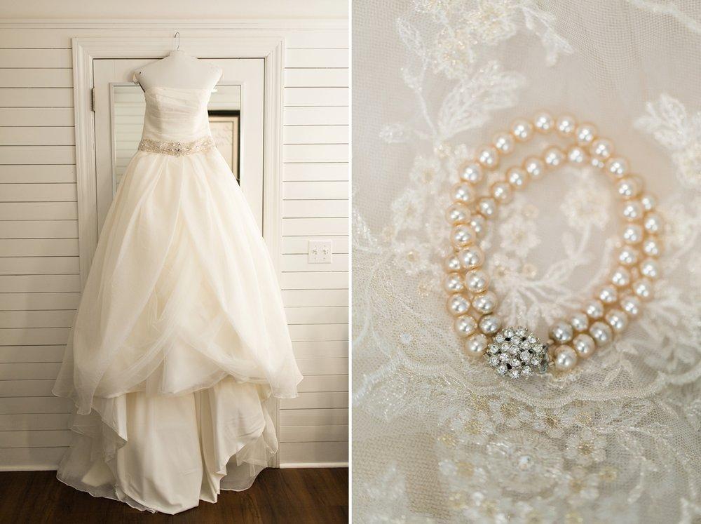 Arrington-Tennessee-Winter-Vineyard-Wedding_0004.jpg
